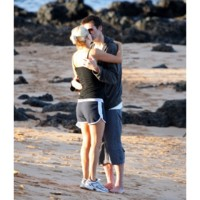 Photo : Jim Carrey et Jenny McCarthy: l'amour à la plage !