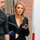Blake Lively tresse indienne floue sur le tournage de Gossip Girl août 2012 New York