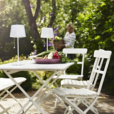 jardin terrasse et balcon 20 chaises outdoor qu 39 on adore chaise pliante m lar ikea. Black Bedroom Furniture Sets. Home Design Ideas