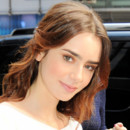 Lily Collins arrive sur le plateau de Good Morning America à New York le 8 août 2013