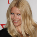 Claudia Schiffer brushing blond soleil 30 ans Guess Paris mai 2012