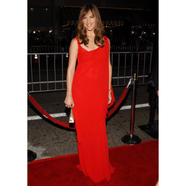Jennifer Garner en robe rouge pour l'avant-première de The Kingdom à Los Angeles en septembre 2007