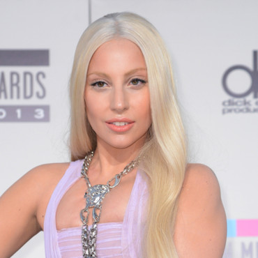 Lady Gaga aux American Music Awards le 24 novembre à Los Angeles