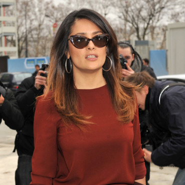 Salma Hayek sa coloration tie and dye au défilé Balenciaga Fashion Week Paris fév 2012
