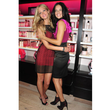 Erin Heatherton et Adriana Lima Les mannequins Victoria's Secret à la Fashion Night Out de News York