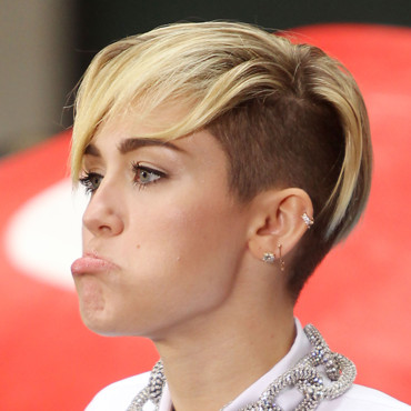 Miley Cyrus fait la grimace le 7 octobre 2013 à New York