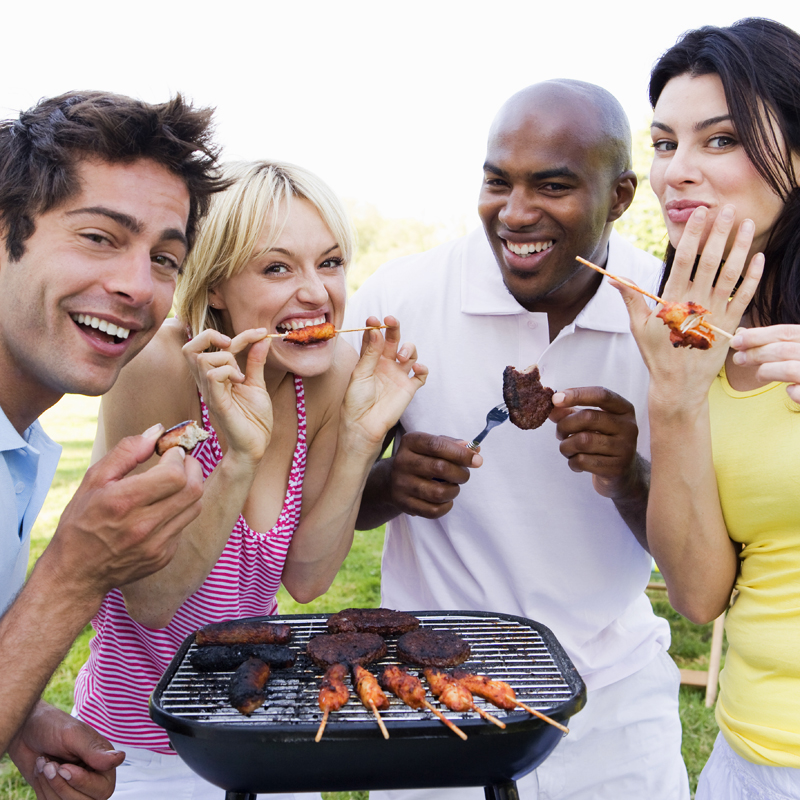 Sp cial week end 7 astuces pour r ussir sa barbecue for Plat a manger entre amis