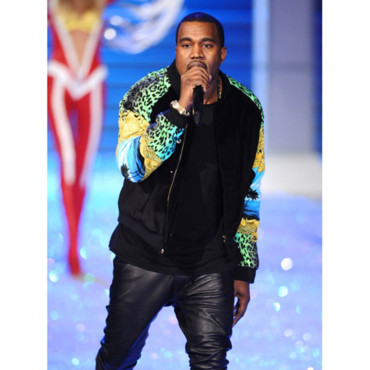 Kanye West lors de sa prestation au dfil Victoria&#039;s Secret 2011