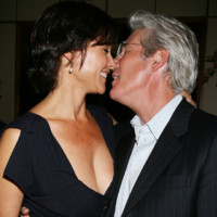 Photo : le baiser de Richard Gere et Carey Lowell