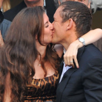 Photo : le baiser de Dany Boon et Yaël