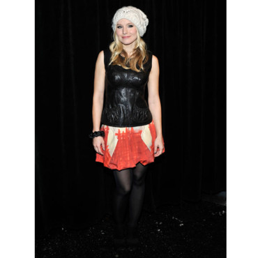 Kristen Bell ose le bonnet pour la fashion week