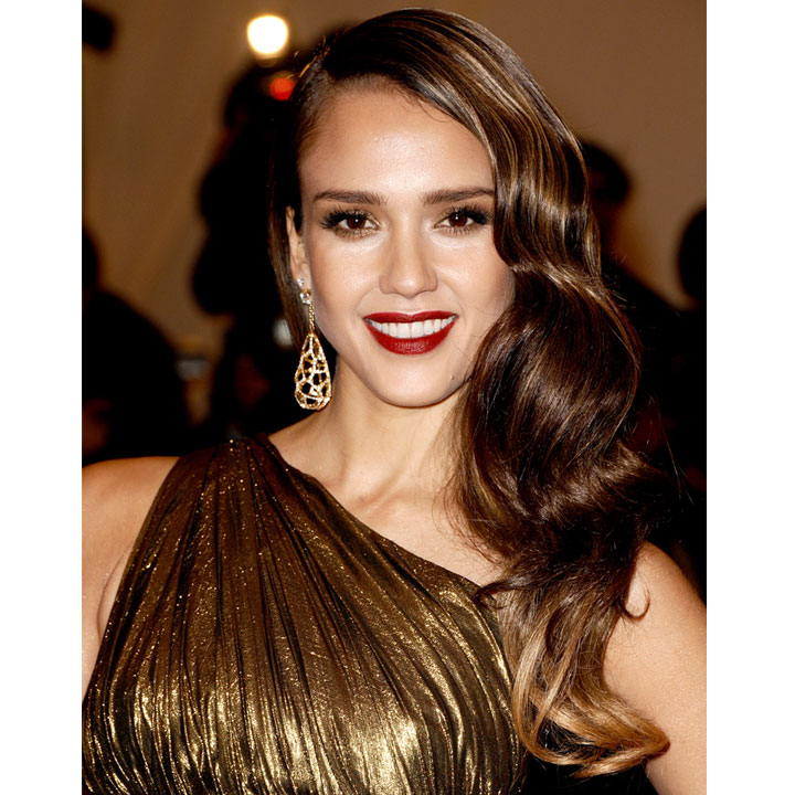 jessica alba et ses cheveux crant s beaut. Black Bedroom Furniture Sets. Home Design Ideas