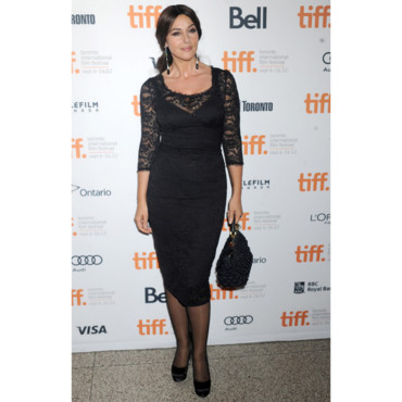 monica bellucci ses plus beaux looks sur tapis rouge monica bellucci 10 mode. Black Bedroom Furniture Sets. Home Design Ideas