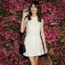 Alexa Chung romantique-chic en total look Chanel