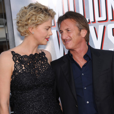Charlize Theron et Sean Penn à la projection du film A Million Ways to Die in the West à Los Angeles le 16 mai 2014