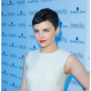 Ginnifer Goodwin coupe courte soirée Capital File Magazine avril 2012