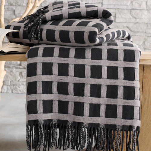 40 plaids tout doux de 2 50 euros 79 euros plaid pure laine la redoure d co. Black Bedroom Furniture Sets. Home Design Ideas