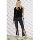Elle Macpherson : on zappe son no look, on garde ses Louboutin