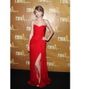 Taylor Swift en Monique Lhuillier aux CMA Awards