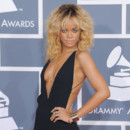 Rihanna blonde Grammy Awards 2012