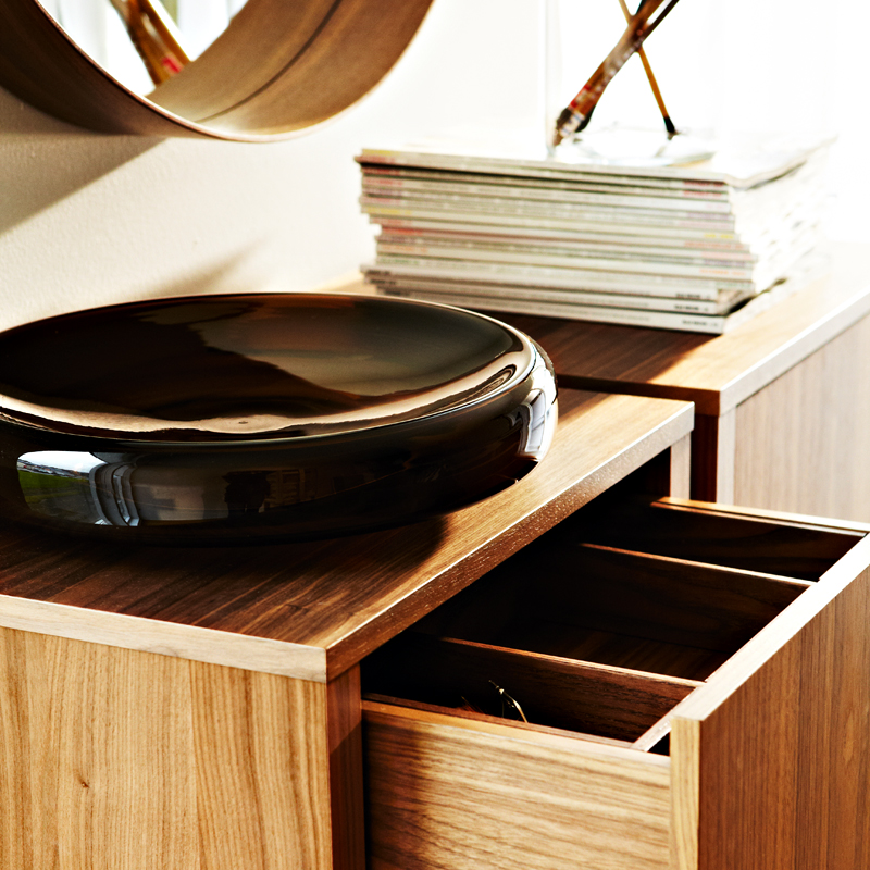 ikea une collection printemps t 2013 100 scandinave buffet 2 portes et coupe stockholm. Black Bedroom Furniture Sets. Home Design Ideas