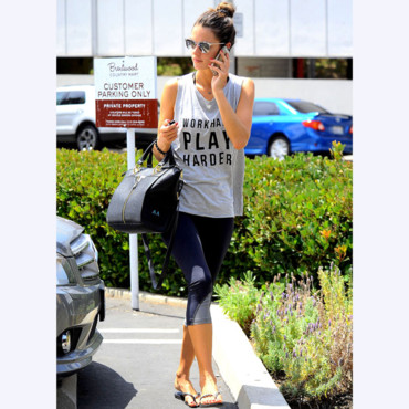 Alessandra Ambrosio au Brentwood Country Mart, à Los Angeles le 28 juillet 2014.