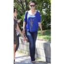Olivia Wilde et son pull Yves Saint Laurent