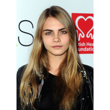 Cara Delevingne British Heart Foudation Tunnel of Love mai 2012 Londres stars sourcils épais