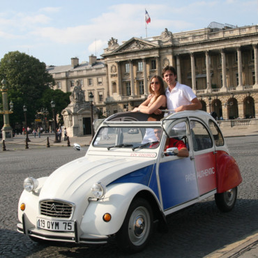 Paris Authentic : ballade romantique en 2CV dans Paris