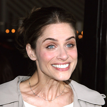 People : Amanda Peet
