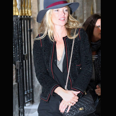Kate Moss et son vernis à ongles Chanel Black Pearl