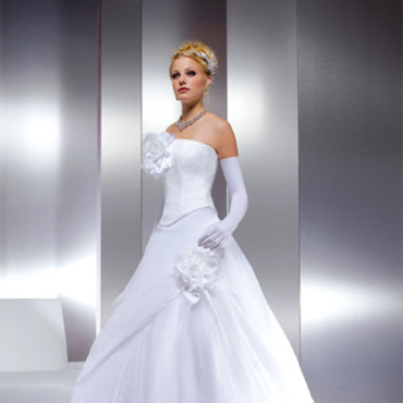 Robe de mari e une robe princesse mariage for Robes de mariage empire uk