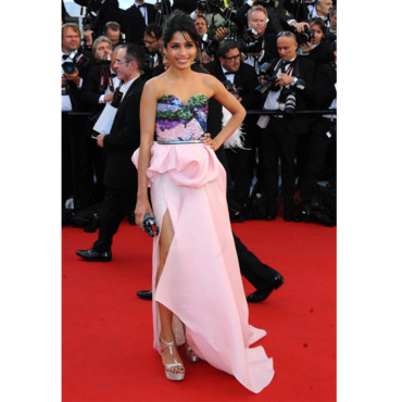 Freida Pinto en Michael Angel à Cannes 2012