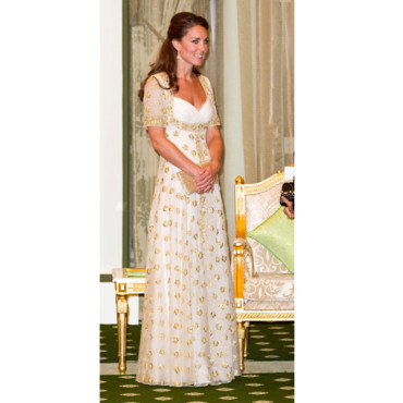 Kate Middleton en robe longue en Asie