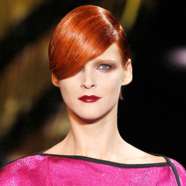 Tendance coiffure : la coloration flashy chez Louis Vuitton