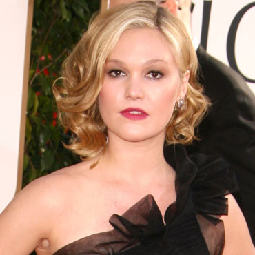 Julia Stiles aux Golden Globes
