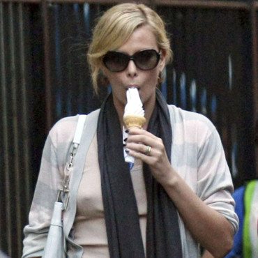 Charlize Theron mmh