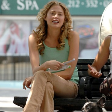 Estella Warren pendant une pause sur le tournage du film See you in september en 2007