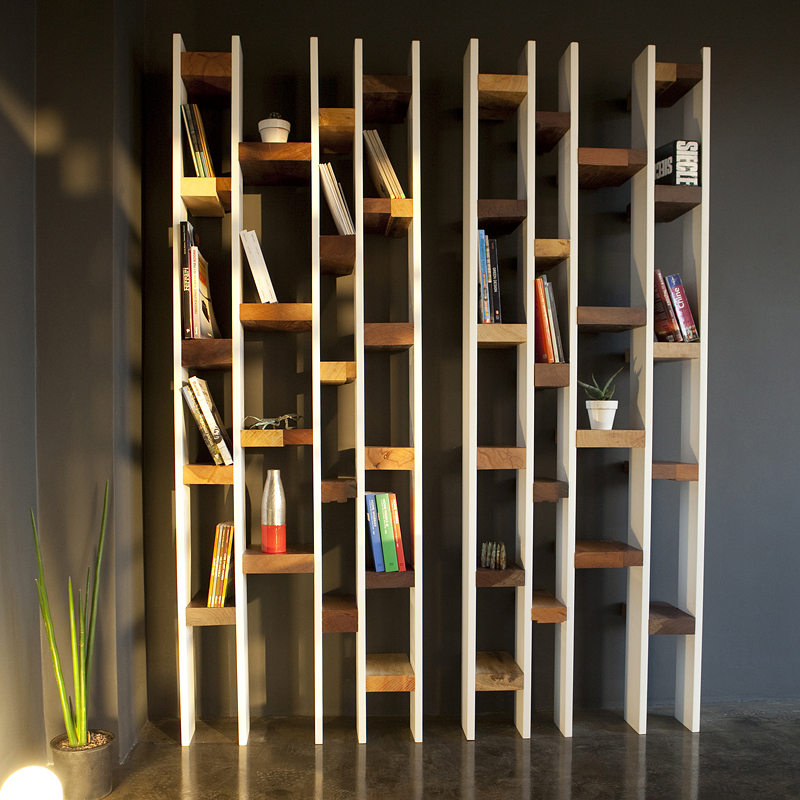 D co colo la biblioth que 39 r60 39 39 kann design tendances d co - Bibliotheque contemporaine en bois design ...