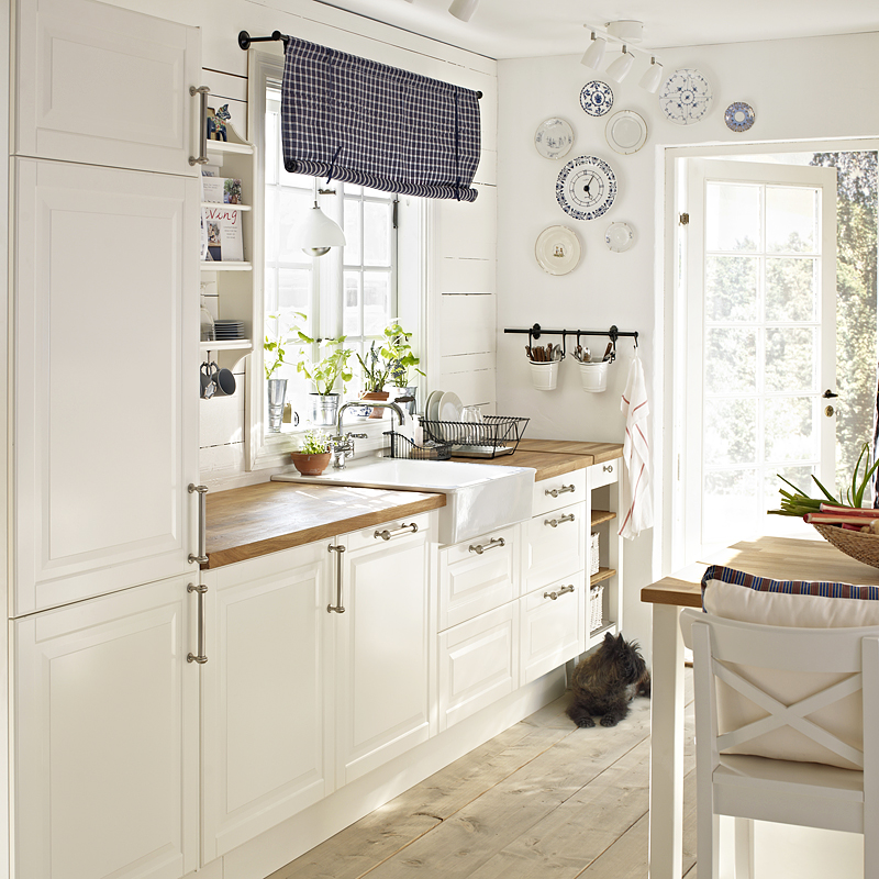 beautiful cuisine ikea faktum blanc fotos modele de cuisine ikea faktum arsta blanc a poignee. Black Bedroom Furniture Sets. Home Design Ideas