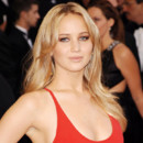 Jennifer Lawrence :  nouveau dans les bras de Nicholas Hoult ?