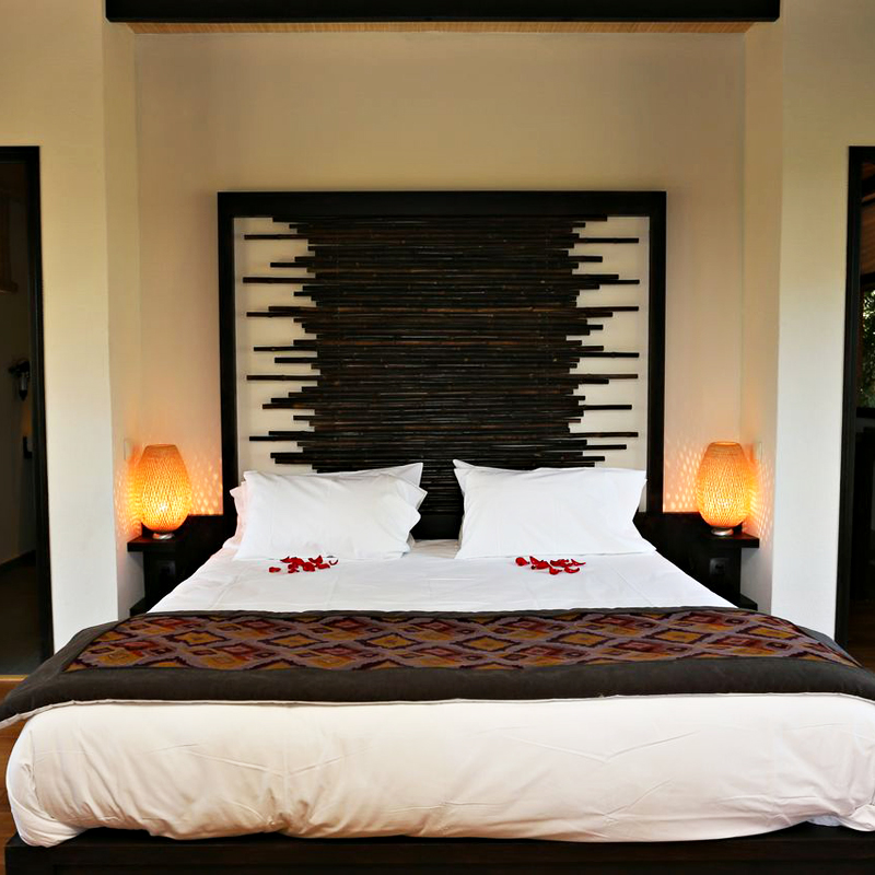 zoo de la fl che dormir au milieu des tigres et des loups zoo de la fl che bali lodge. Black Bedroom Furniture Sets. Home Design Ideas