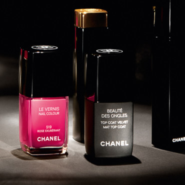 Vernis Rose Exubérant et Top Coat Velvet Chanel