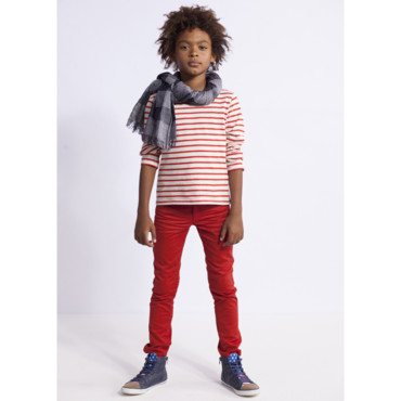 T-shirt rayé Shopping prix 3 à 12 ans: lot 11.98€ Pantalon slim rouge Shopping prix 3 à 12 ans: 14.99€ Chèche à carreaux R teens 10-16 ans : 14.99€ Baskets : à partir de 29.99€