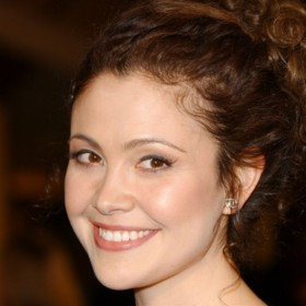 people : Reiko Aylesworth