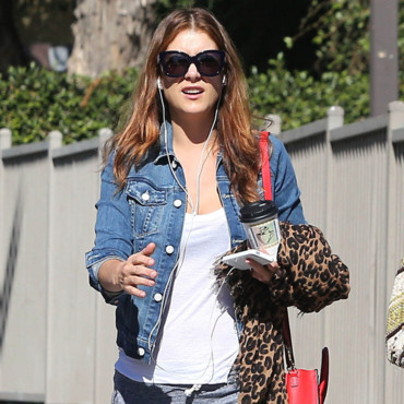 Kate Walsh dans le quartier de Los Feliz à Los Angeles