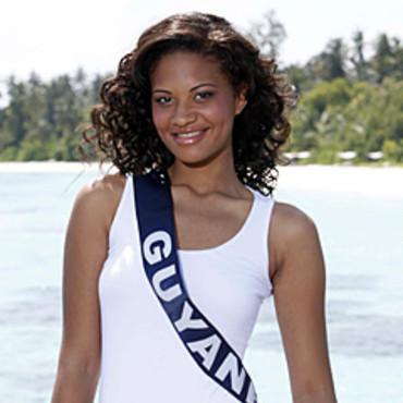 exclu miss france 2011 d couvrez les confidences de julie grosse miss guyane actu people. Black Bedroom Furniture Sets. Home Design Ideas