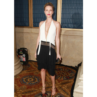 Charlize Theron en Gucci pour les Gotham Independent Film awards le 28-11 à NYC