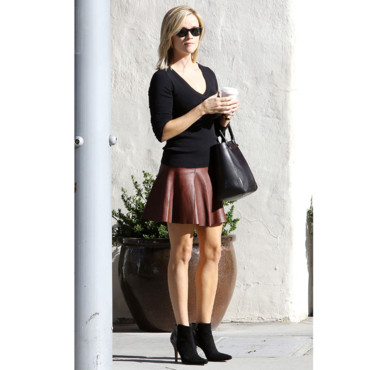 Reese Witherspoon sortant d'un café à Los Angeles le 26 septembre 2013
