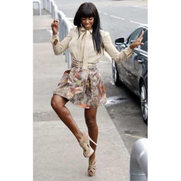 Kelly Rowland en mini jupe durant les auditions d'X Factor